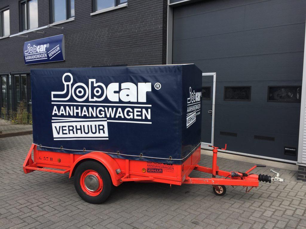 Aanhangwagens: geremd met huif. Enkel asser tot 750 kg